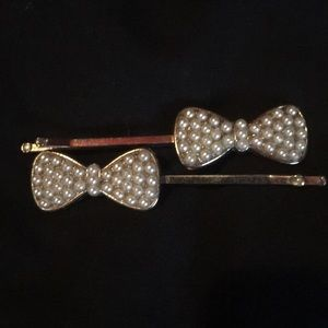 Gold & pearl hair pins free with purchase